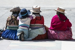 People Waiting Urubamba Perù